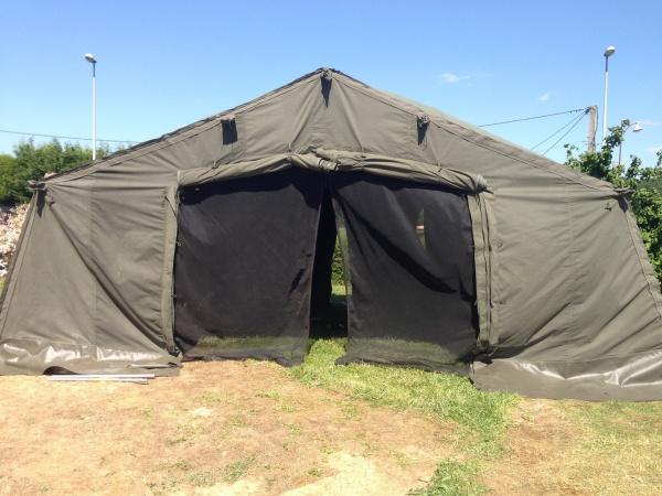 Chauffage toile de tente elegant chauffage de terrasse for Piscine commercy